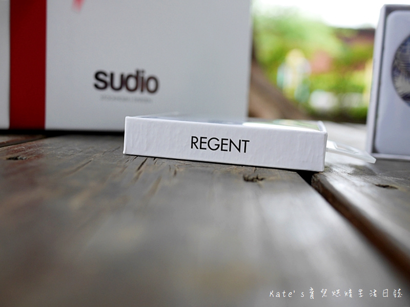 天籟之音SUDIO REGENT 耳罩式藍芽耳機 北歐瑞典設計 Regent 可替換式耳殼 機身可摺疊式設計 聖誕禮物挑選 耳罩式藍芽耳機推薦7.jpg