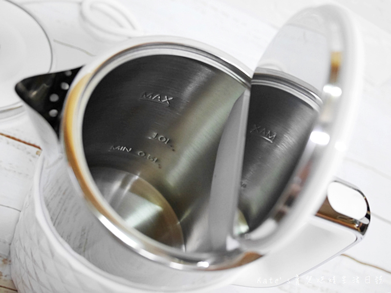海爾快煮壺 海爾白色快煮壺 Haier 1.7L 鑽紋雙層快煮壺 快煮壺推薦 生活小家電 海爾快煮壺好用嗎11.jpg