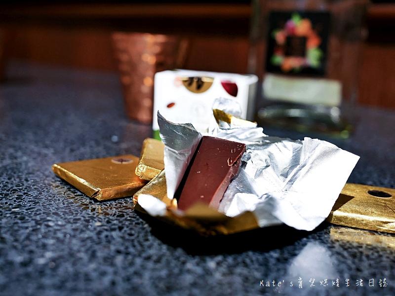 絹絲谷手作乳酪蛋糕 絹絲谷手工巧克力 絹絲谷手工甜點 絹絲谷甜點好吃嗎 貴婦百貨甜點 信義區甜點25.jpg