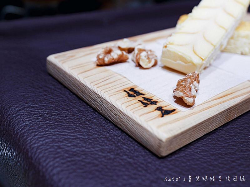 絹絲谷手作乳酪蛋糕 絹絲谷手工巧克力 絹絲谷手工甜點 絹絲谷甜點好吃嗎 貴婦百貨甜點 信義區甜點26.jpg