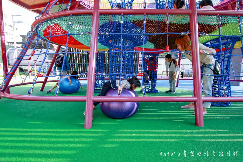 樹林東昇公園 星際探險主題公園 新北市主題公園 東昇公園有什麼 外星人造型立體攀爬網20.jpg