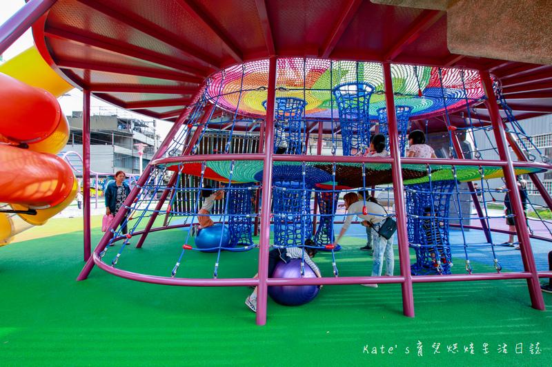 樹林東昇公園 星際探險主題公園 新北市主題公園 東昇公園有什麼 外星人造型立體攀爬網18.jpg