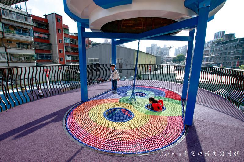 樹林東昇公園 星際探險主題公園 新北市主題公園 東昇公園有什麼 外星人造型立體攀爬網22.jpg