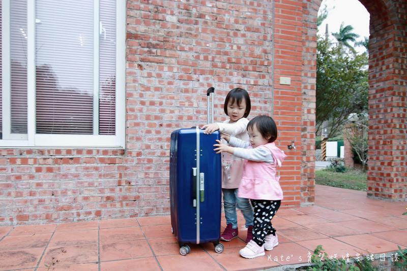 NaSaDen 納莎登 海德堡系列 28吋100%純PC超輕量箱體 純PC材質行李箱 NaSaDen海德堡 海德堡系列行李箱好用嗎 NaSaDen 納莎登 海德堡行李箱好推嗎 德國NaSaDen雪佛包46.jpg