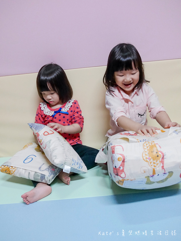 Vega唯家奈米遠紅外線兒童午安睡袋 VEGA字母樂園兒童睡袋組 唯家奈米遠紅外線兒童睡袋 兒童睡袋推薦 睡袋推薦 睡袋收納被推薦 四季兒童睡袋 台灣製睡袋 MIT兒童睡袋2.jpg