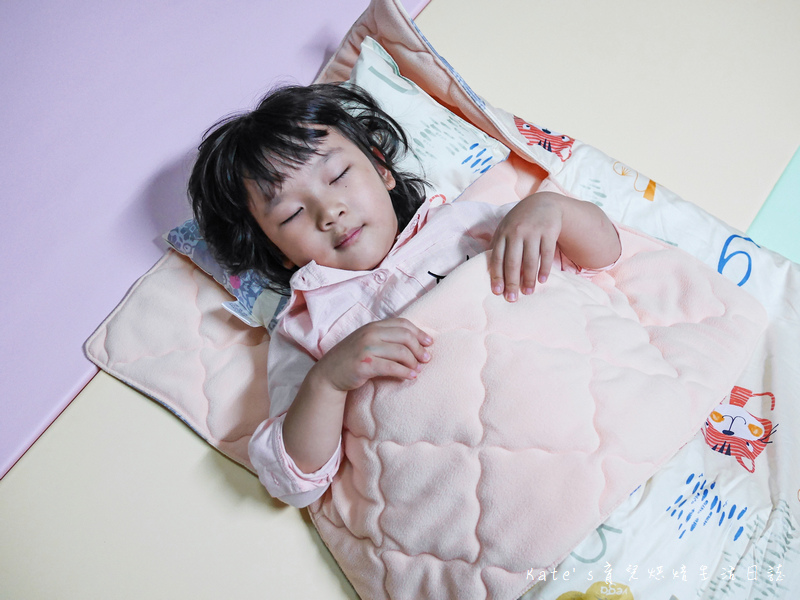 Vega唯家奈米遠紅外線兒童午安睡袋 VEGA字母樂園兒童睡袋組 唯家奈米遠紅外線兒童睡袋 兒童睡袋推薦 睡袋推薦 睡袋收納被推薦 四季兒童睡袋 台灣製睡袋 MIT兒童睡袋19.jpg