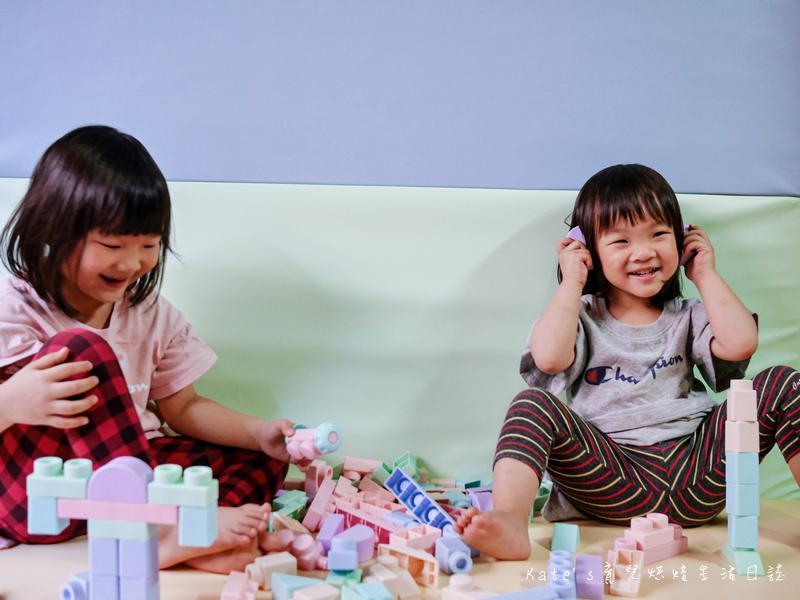 My Children麥琪親子選物 麥琪親子選物軟積木 麥琪親子選物積木車 小孩生日禮物推薦 禮物選擇 玩具選擇 兒童玩具推薦 可組裝的玩具車 安全玩具 無毒玩具 Kidmate馬卡龍安全軟積木1.jpg