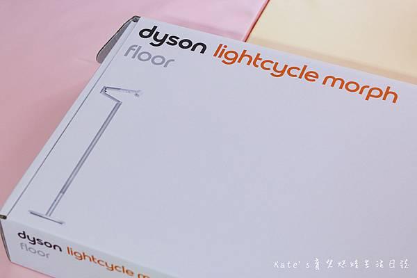 Dyson Lightcycle Morph™落地燈開箱 Dyson Lightcycle Morph™檯燈 Dyson Lightcycle Morph落地燈 Dyson落地燈 Dyson立燈 Dyson檯燈 Dyson工作燈 Dyson智慧落地燈 檯燈推薦 親子共讀檯燈 燈具推薦7.jpg