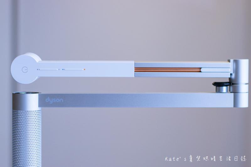 Dyson Lightcycle Morph™落地燈開箱 Dyson Lightcycle Morph™檯燈 Dyson Lightcycle Morph落地燈 Dyson落地燈 Dyson立燈 Dyson檯燈 Dyson工作燈 Dyson智慧落地燈 檯燈推薦 親子共讀檯燈 燈具推薦20.jpg