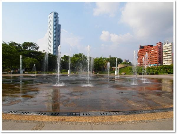 高雄中央公園13.jpg