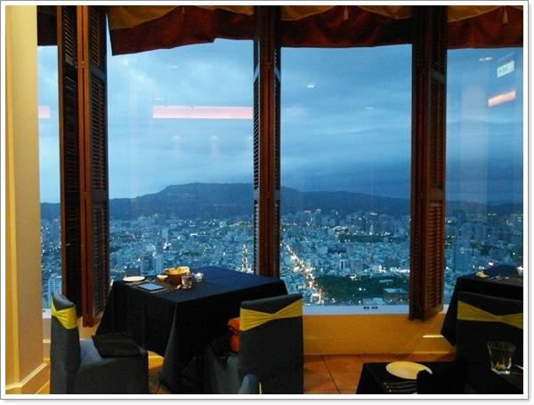 SKY觀景西餐09.jpg