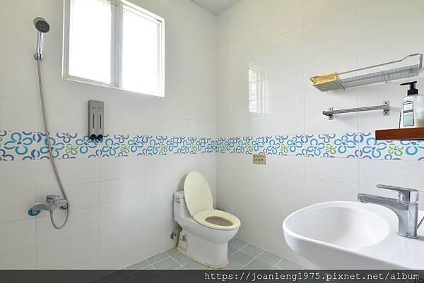 兩人套房衛浴.jpg
