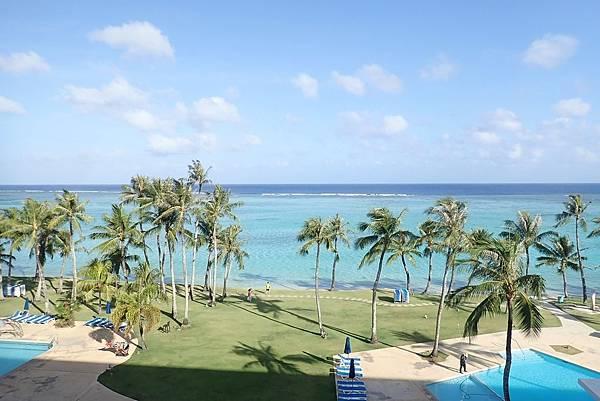 【關島】Fiesta Resort Guam 悅泰飯店 | 杜夢灣高CP值首選,舒服寬敞,隨時隨地漫步海灘