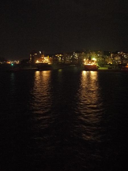 開船了 基隆港夜景
