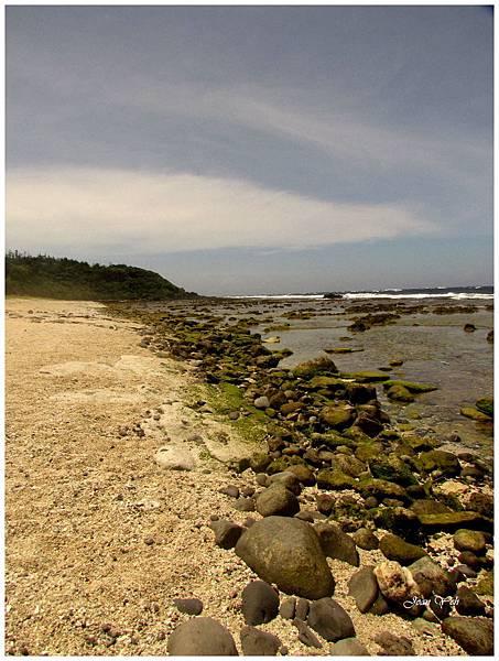 沙灘與礁石的分界