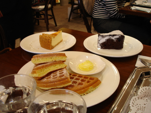 好吃又紮實的鬆餅與CAKE~~~
