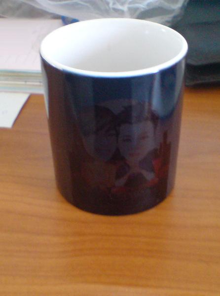 生日禮之二:一個黑嘛嘛的馬克杯。
