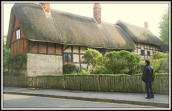 Anne Hathaways Cottage001