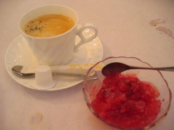 副餐:咖啡及野梅果冰