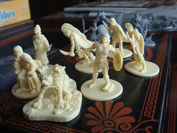 六個英雄和地獄三頭犬token,後面是Hades的亡靈大軍