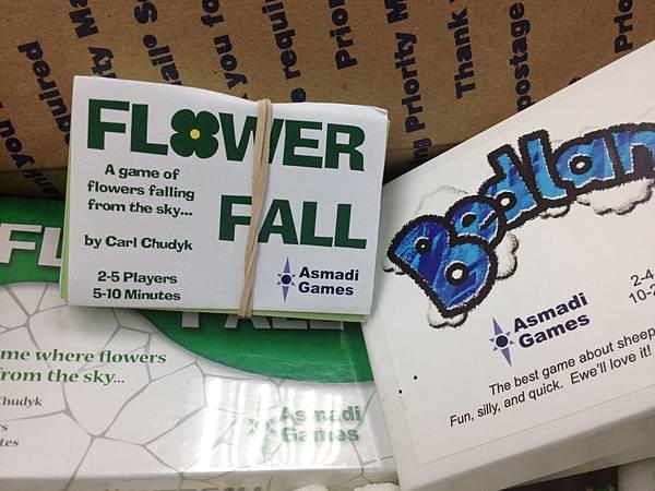 研究了一下,這個應該是FlowerFall的demo版。(大概是印太多,拿來當贈品送了)