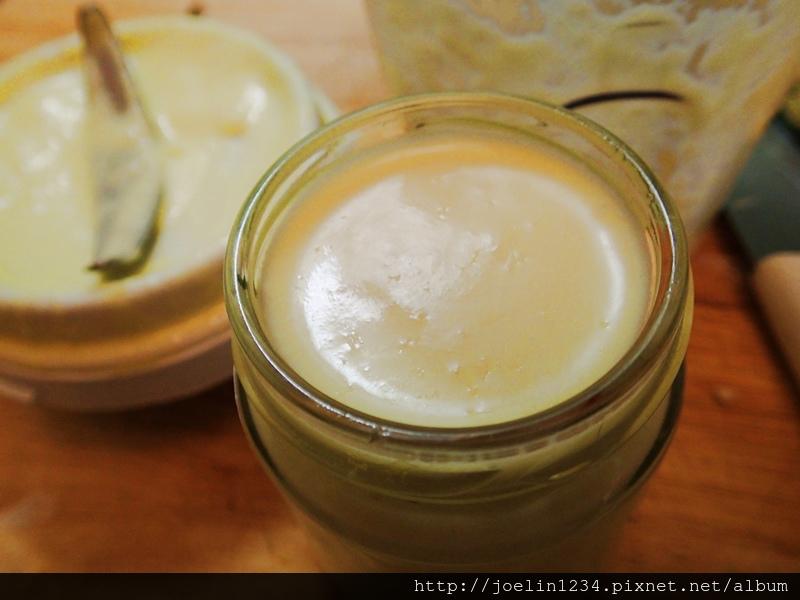 廚房DIY~油漬大蒜+蒜蓉醬