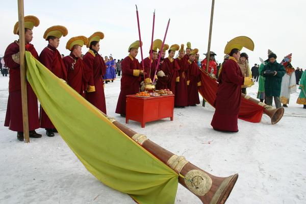卓干湖冬捕醒網儀式.jpg