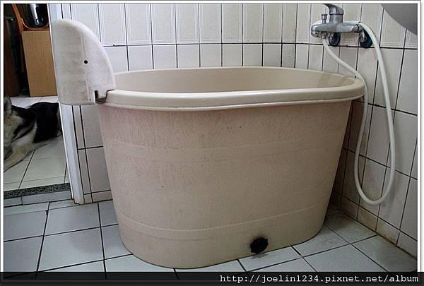塑膠浴缸02.JPG