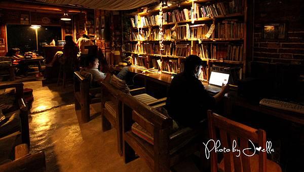 瀘沽湖湖思茶屋國際青年旅舍 (11)