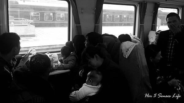 nEO_IMG_羅平的交通 (1).jpg