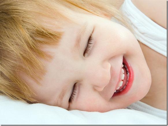 Sweet-cute-baby-smile_1024x768