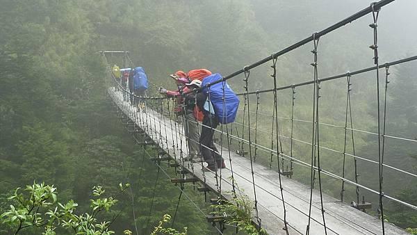 Day01_能高瀑布吊橋01