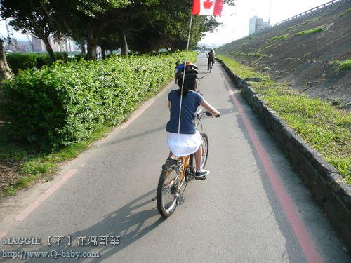 MAGGIE 騎車到士林 01.jpg