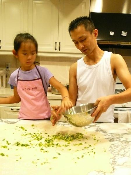 親子手作蔥油餅 06.jpg