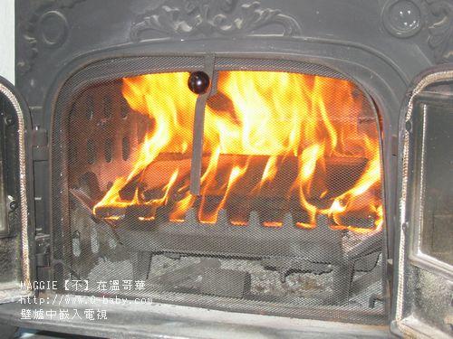 壁爐中嵌入電視 01.jpg