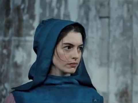 安海瑟薇開金嗓 《悲慘世界》年底壓軸