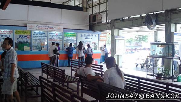 芭達雅玩水篇]曼谷搭巴士到Pattaya@EKKAMAI站-巴士東站1