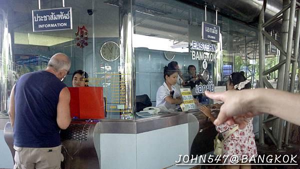 芭達雅玩水篇]曼谷搭巴士到Pattaya@EKKAMAI站-巴士東站16