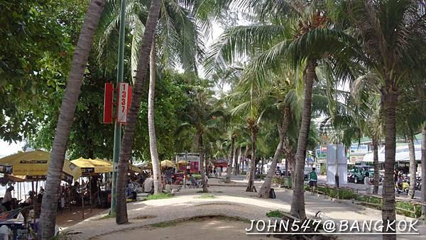 芭達雅玩水篇]曼谷搭巴士到Pattaya@EKKAMAI站-巴士東站26