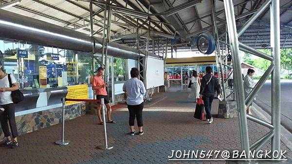 芭達雅玩水篇]曼谷搭巴士到Pattaya@EKKAMAI站-巴士東站40