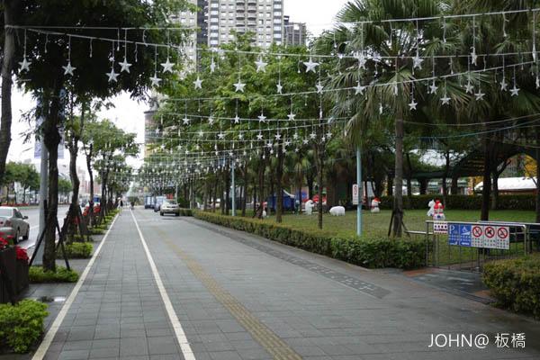 2012新北市歡樂耶誕城~市民廣場3