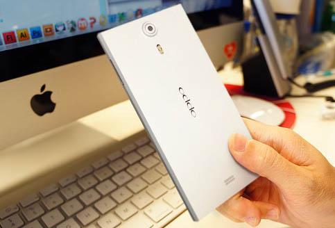 全球最薄 8.86mm 四核心智慧型手機 OPPO Find 5 A