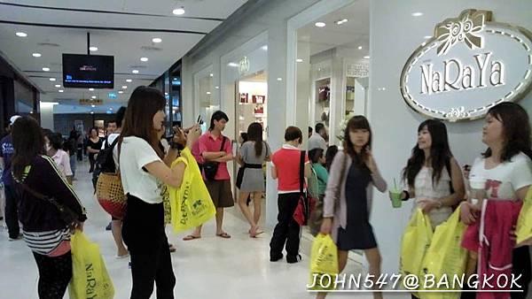 [曼谷逛百貨]Central World:Zen百貨、世貿中心(Central world plaza)、伊勢丹百貨(iSETAN)曼谷包