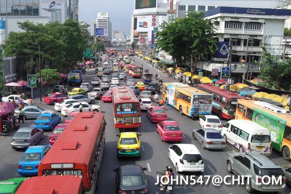 泰國曼谷CHIT LOM塞車情況