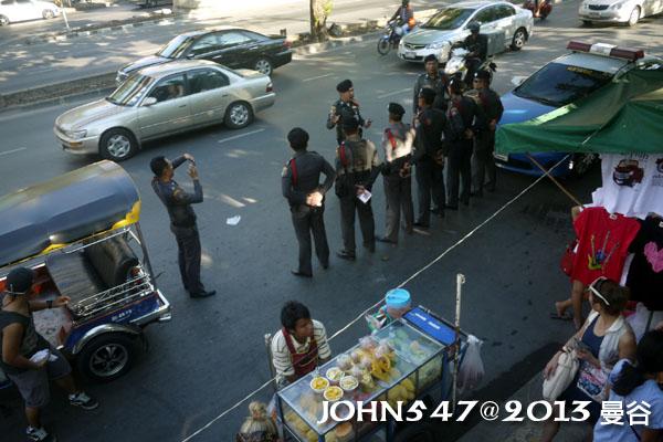 恰圖恰週末市集(札都甲Chatuchak weekend market) 警察