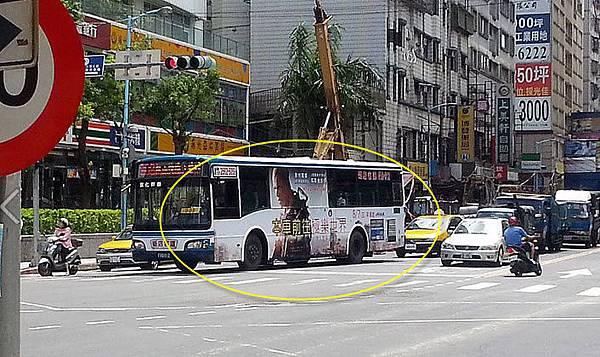 本車前往極樂世界 公車廣告太邪門
