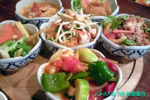 五天四夜泰國自由行行程-18Ban Khun Mae Restaurant泰國料理餐廳.jpg
