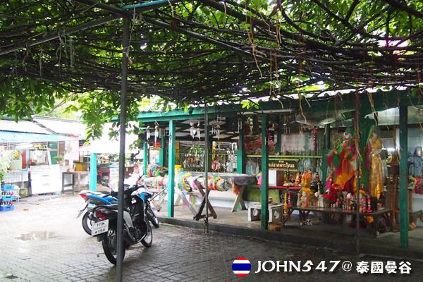 曼谷鬼妻廟]Wat Mahabut幽魂娜娜的家Mae Nak@on nut安努2.jpg