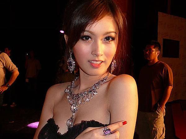 泰國最美人妖Poy驚人美照7.jpg
