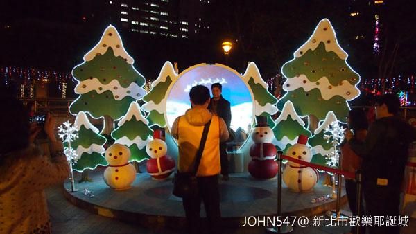 新北市歡樂耶誕城點燈 遊樂設施10.jpg
